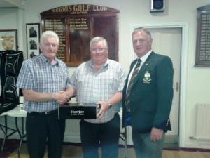 Paddy O'Neill 1st in Open Seniors with Sponsorer Kevin Cosgrave & Captain Pat