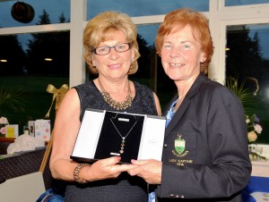 Nuala Walsh Winner of Kathleen Quinn's Prize to Ladies being presented with her Prize by Lady Captain Kathleen Quinn